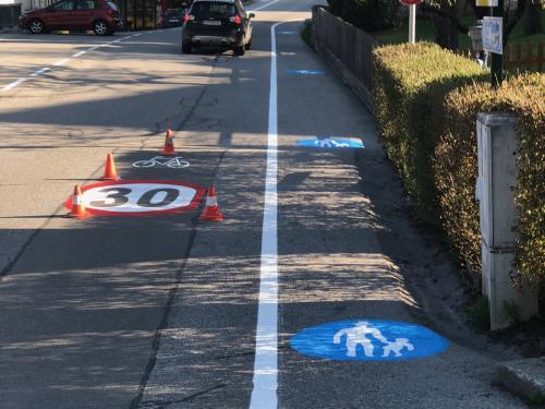 Geh- und Radwegmarkierung