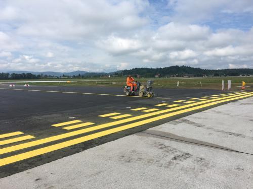 Landebahnmarkierung, Flughafen Klagenfurt